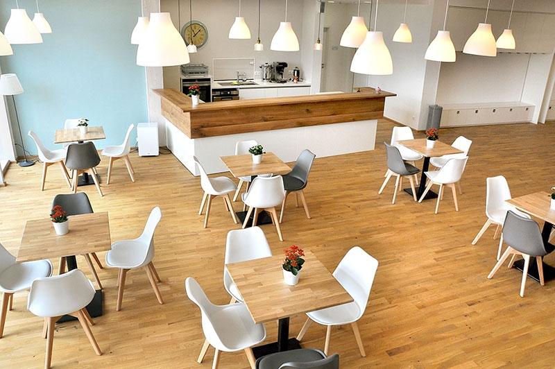 Gemeinde-Cafe im Foyer