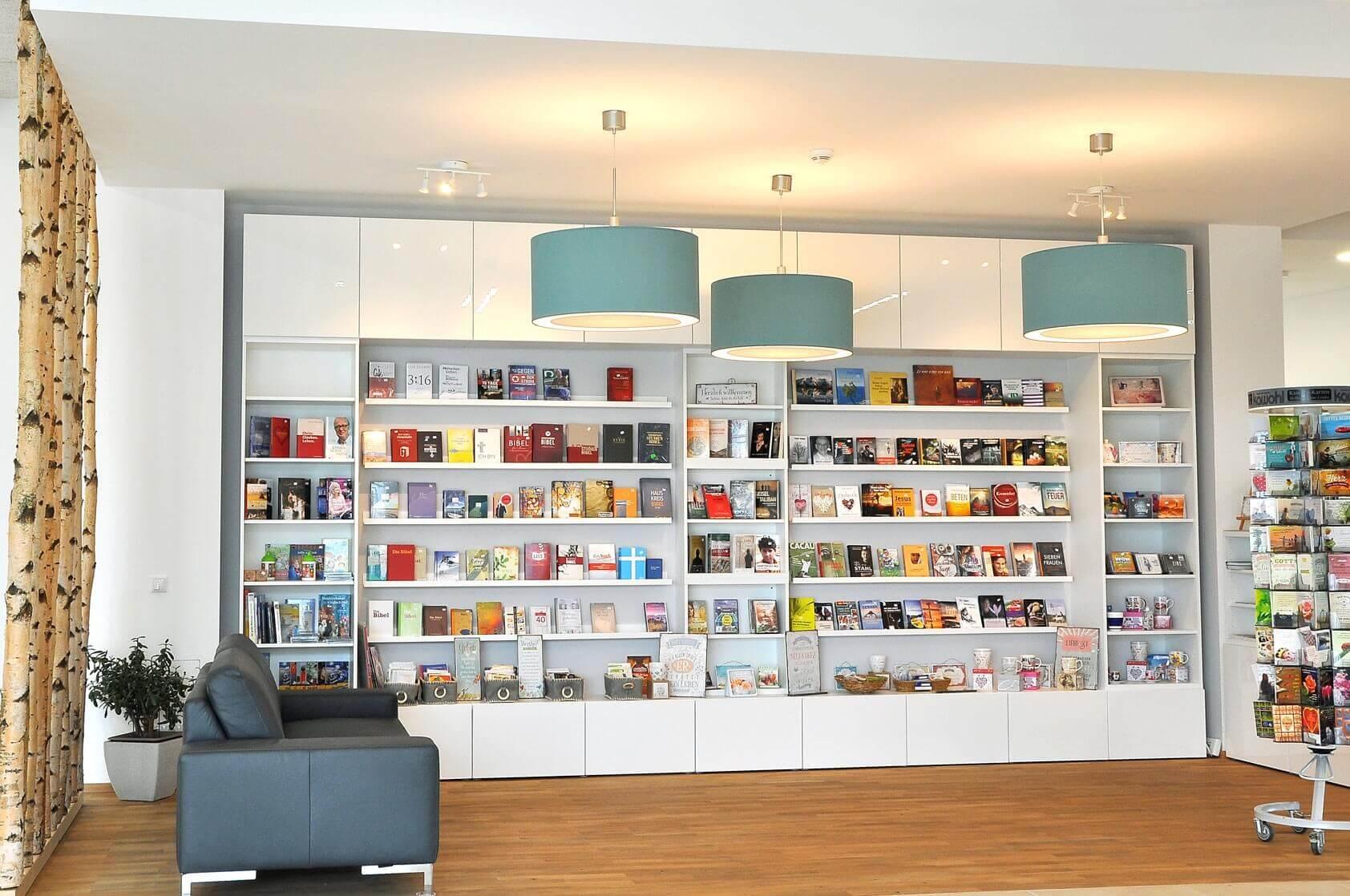 Gemeindebuchladen im Foyer
