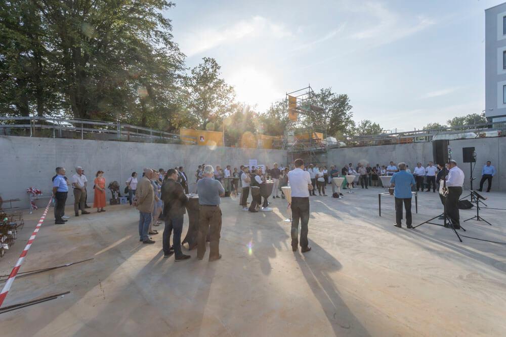Grundsteinlegung Westhouse Augsburg mit 80 Gästen