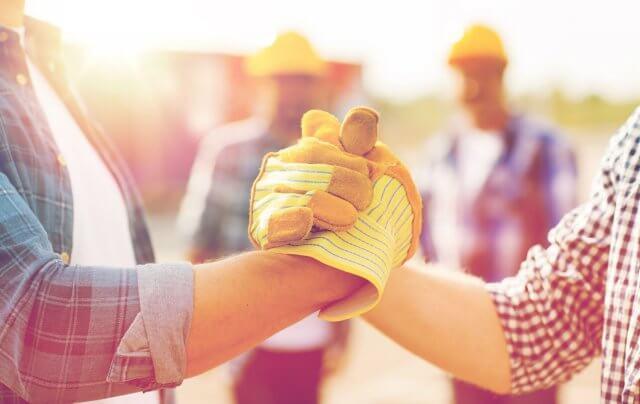 Handschlag Bauteam